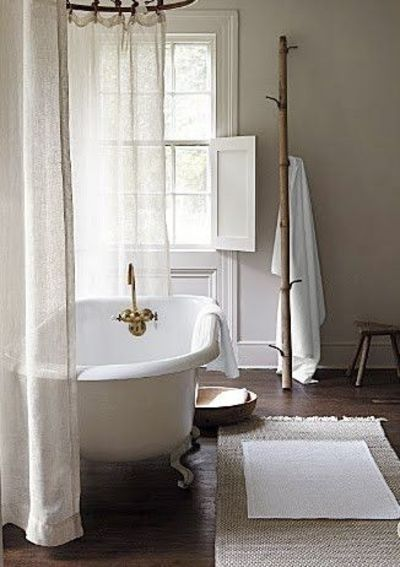 Tricia foley in the country blog bath ideas juxtapost - Rideau de douche vintage ...