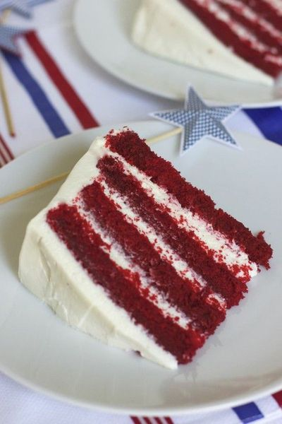 Summer Red Velvet Cake with Whipped Cream Cheese Frosting / foodies ...