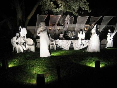 halloween ideas for the yard lots of cool halloween front yard display ideas time - Halloween Ideas For Yard