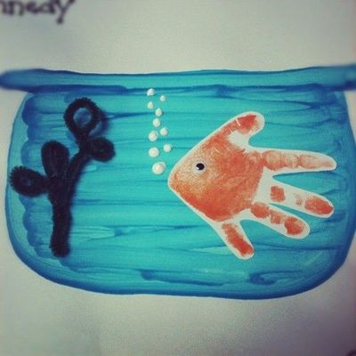 Cute fish bowl handprint craft preschool items juxtapost for Fish bowl craft