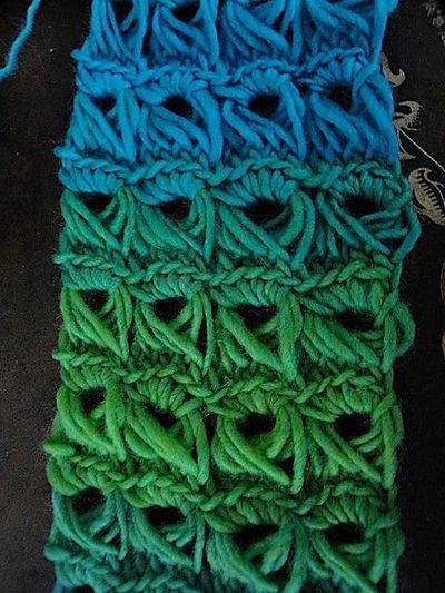 Broomstick Lace Knitting Pattern : free pattern broomstick lace scarf / crochet ideas and tips - Juxtapost