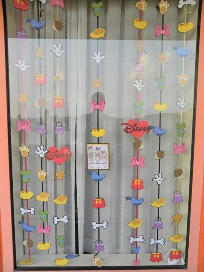Resort Window Decorating Ideas Wonderful World Of Disney