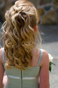 flower girls' hair
