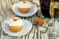 champagne cupcakes (makes four)