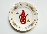 The red polkadot teapot plate