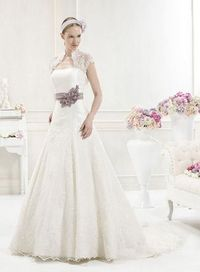 Beautiful wedding dress with A-line silhouette and floor length. Fancy bolero design looks impressive. Delicate flower ornament is adorned at the waist. Gorgeous appliqué is embellished over the skirt. Free made-to-measurement service for any size. Avail...