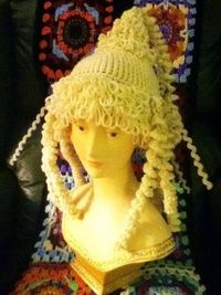 crochet wig hat - I want to make this for Zoe :)