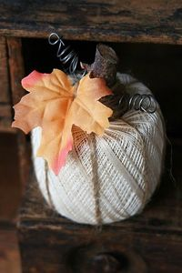 crochet thread roll pumpkin