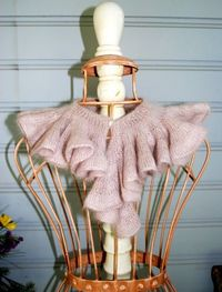 Ruffled scarf in mohair