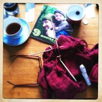 how to host a poor-man's knitting & crochet retreat