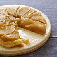 """Apple Tarte Tatin Simple and sweet, this French treat couldn't be easier to make. Other versions call for anywhere from one-half to an entire stick of butter�€""""ours uses only 2 teaspoons, so you can dig in guilt-free."""