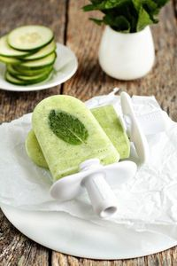 Cucumber mint margarita quick pops... these are gonna happen