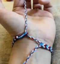 how to make and fasten youir friendship bracelet